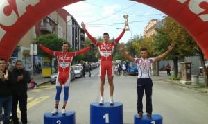 Goran_Antonijević_i_Marko_Danilović_na_pobedničkom_postolju_u_Arandjelovcu