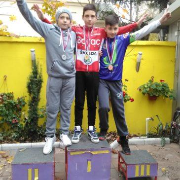 Tri medalje za mlade bicikliste Borca na kupu Srbije u ciklo krosu